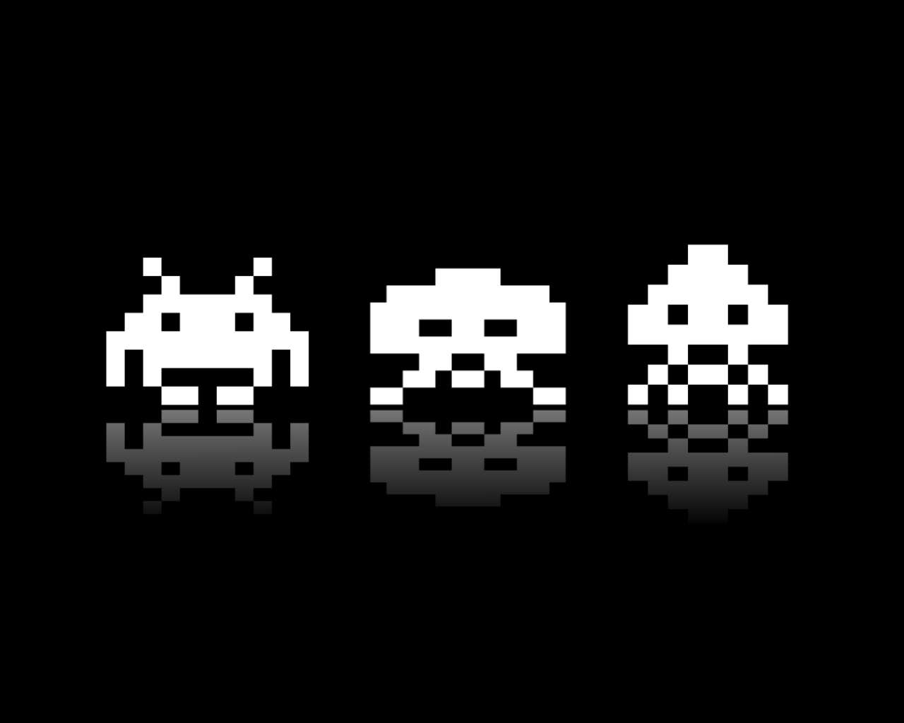 Play Ultimate Space Invaders