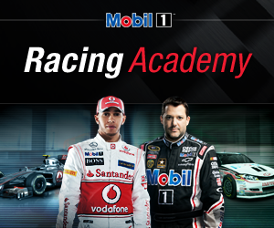 Play Mobil 1 Racing Academy
