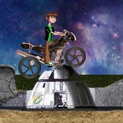 Play Ben10 Moon Biker