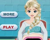 Play Pregnant Elsa Ambulance