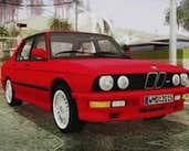 Play BMW M5 E28